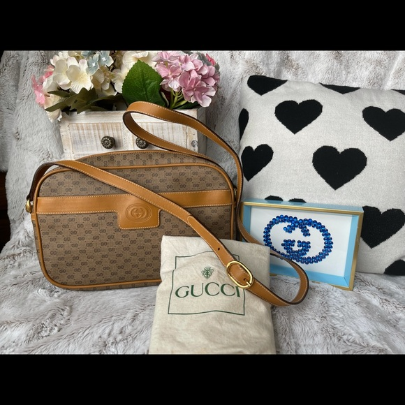 Authentic pre love Gucci sling bag with dust bag